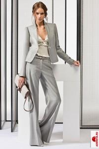 Серые оттенки вашего делового костюма подчеркнут вашу работоспособность