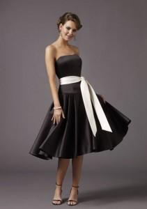 У каждой женщины в гардеробе должно быть чёрное платье
