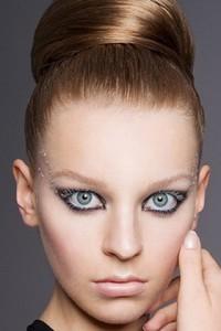 Прическа является главным элементом образа девушки