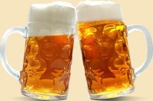 Любители пива зачастую приобретают пивной живот