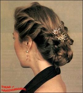 """Прическа """"Француженка"""" идеально подходит для тонких негустых волос средней длины"""